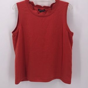 CABLE & GAUGE CORAL KNIT SCALLOPED  SLEEVELESS TOP